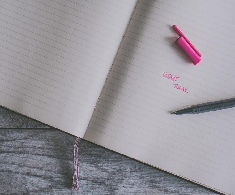 Sinnbild für den Tagebucheintrag einer Praktikantin in einer Social Media Beratung