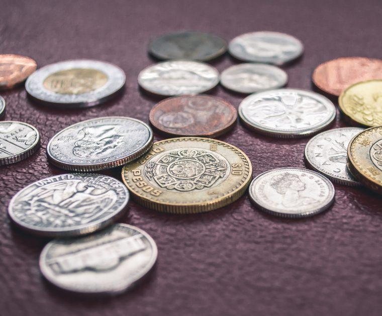 Sinnbild für monetäre Aspekte der Facebook Kampagnenbudget-Optimierung