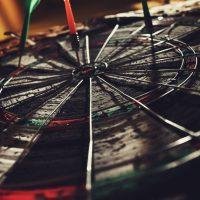 Sinnbild für Social Media Ziele definieren Zielscheibe